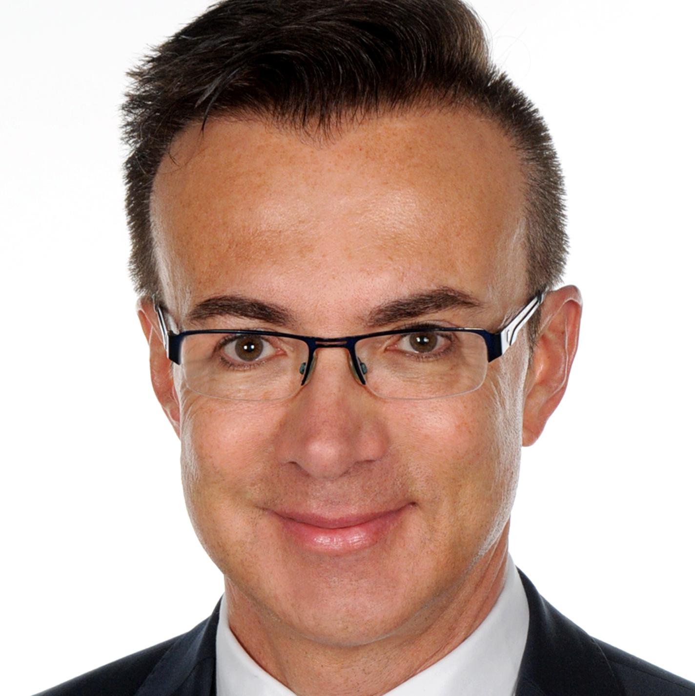 Prof. Dominik Groß